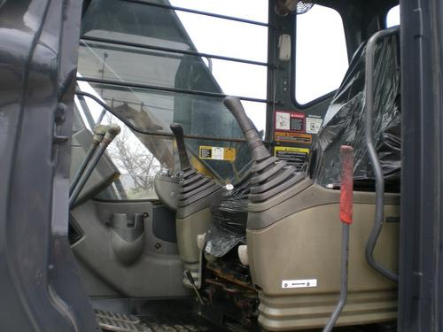 excavadora john deere 200c año 2005 trans 80% recien importa
