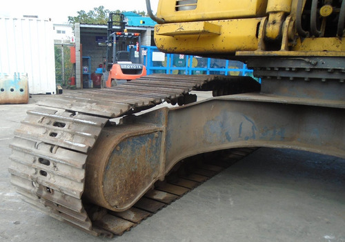 excavadora komatsu pc200-7