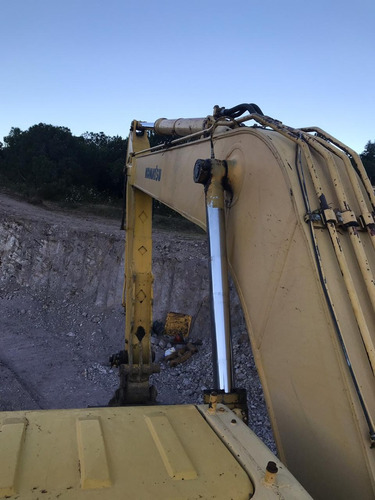 excavadora komatsu pc220lc año 2002