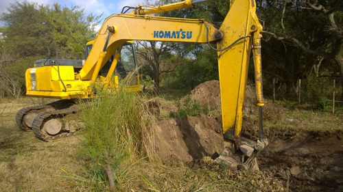excavadora retro komatsu  pc 200 y pc 220 - financio permuto