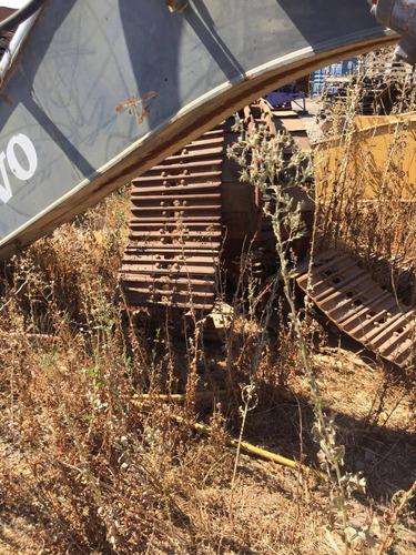 excavadora volvo ec 210 año 2010