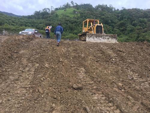 excavadora,tractor,retro,rodillo y motoniveladora. loja