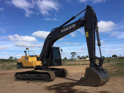 excavator volvo ec220d  ano 2016 3.590hs