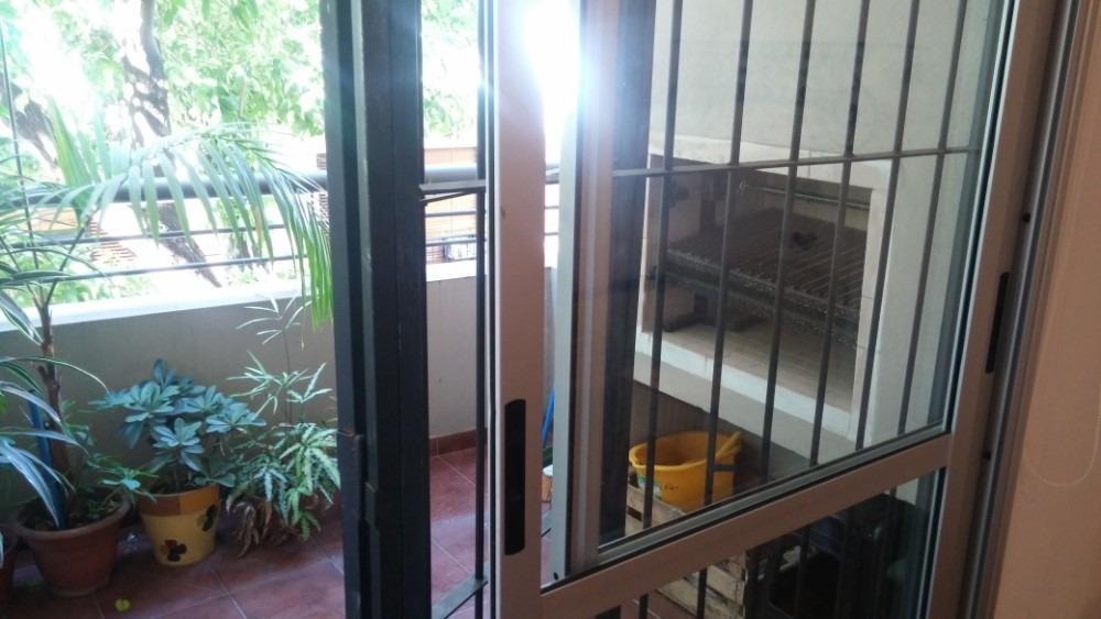 excel. monoamb. categ. seminuevo c/parrilla en balcon .frte.