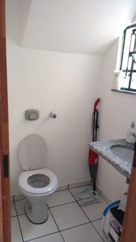 excelengte sobrado com 03 dormitórios( 01 suíte) e duas vaga