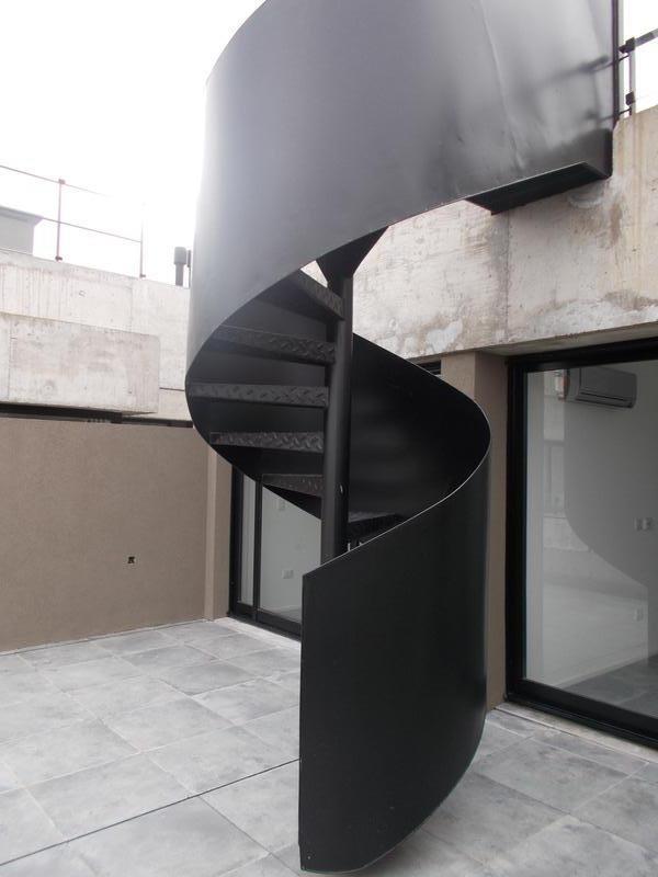 excelente 2 ambientes con amplia terraza propia y parrilla