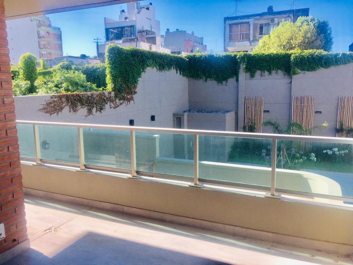 excelente 4 amb, balcón, 2 cocheras, baulera y amenities