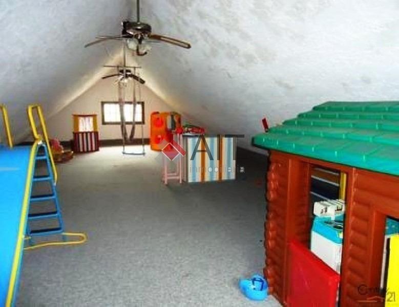 excelente 5 dormitorios a 100 mts de la playa con gran capacidad. piscina climatizada.-ref:4380