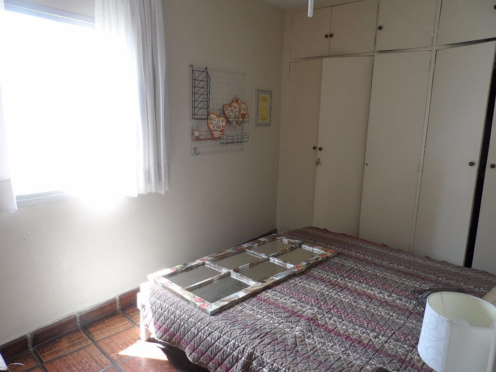 excelente apartamento 2 dormitórios mais dependência de empregada a 150 mts da praia de pitangueiras - guarujá - ap1069