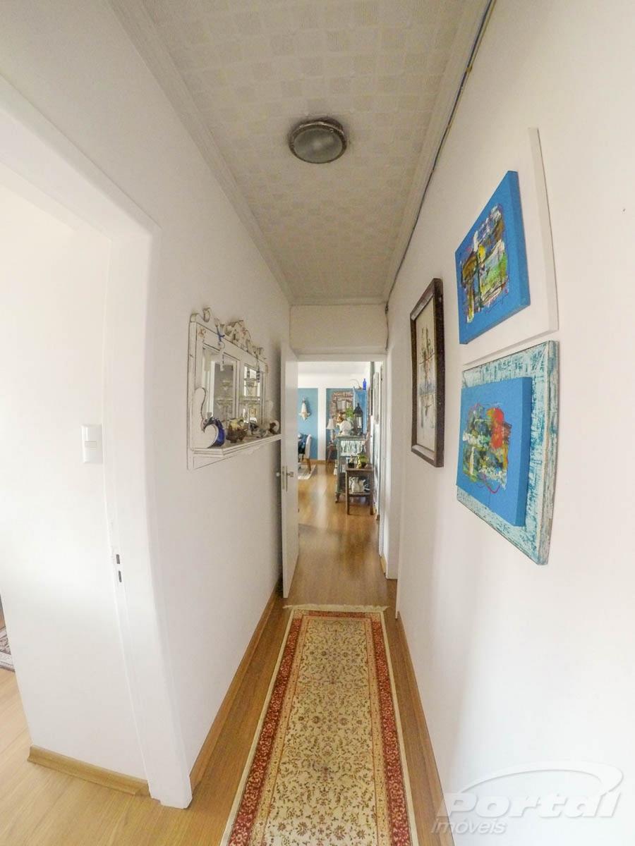 excelente apartamento a 5 min do centro de blumenau, linda vista para a beira rio, com 4 dormitórios, sendo 1 suíte, dependência de empregada, banheiro social, lavabo, ampla sala de jantar e tv com s