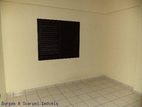 excelente apartamento alto padrão no centro da cidade para locação definitiva  * 3 dormitórios (sendo 1 suíte) * ampla sala para 2 ambientes com varanda e lavabo - ap00154 - 2128301