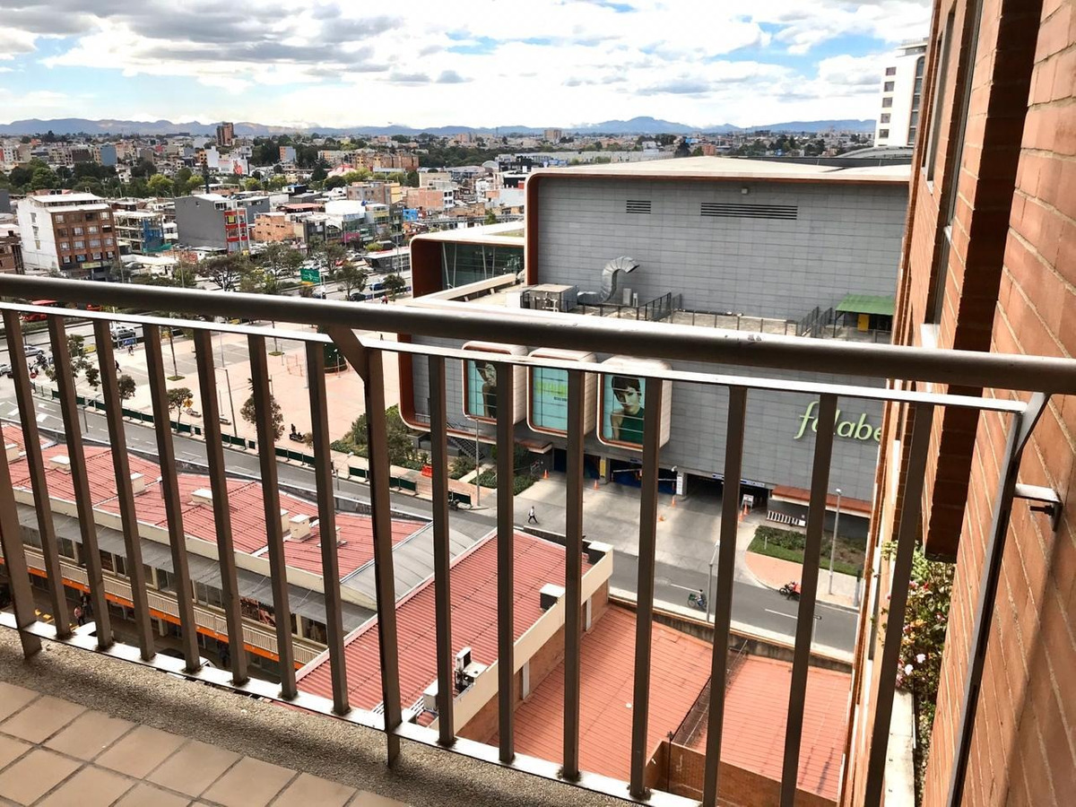 excelente apartamento  de 104mt, 3 habitaciones, 2 baños