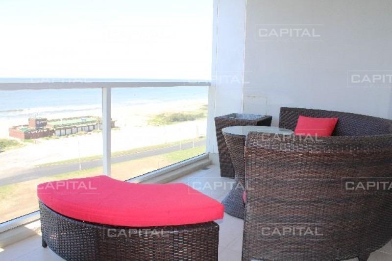 excelente apartamento de 2 dormitorios en primera línea del mar-ref:27137