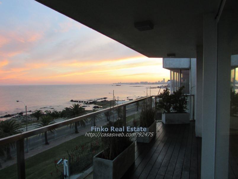 excelente apartamento de 3 dormitorios con vista al mar