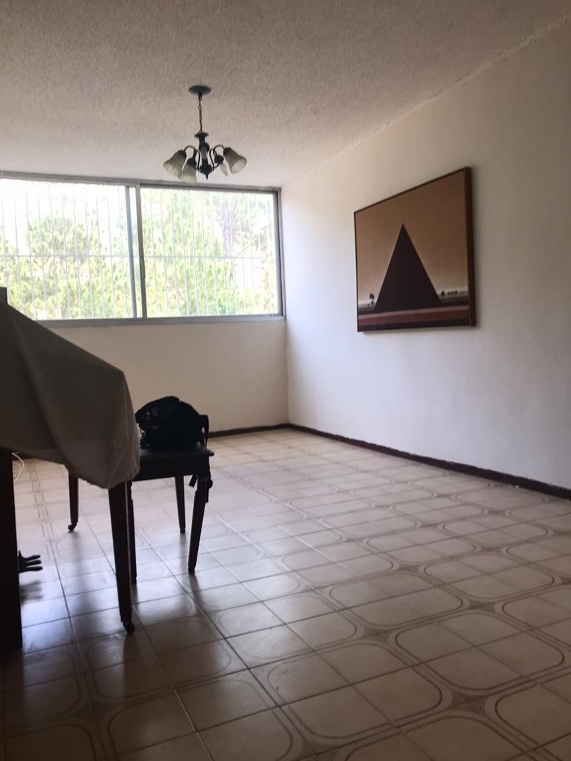 excelente apartamento de 3 habitaciones 2 baños y puesto de