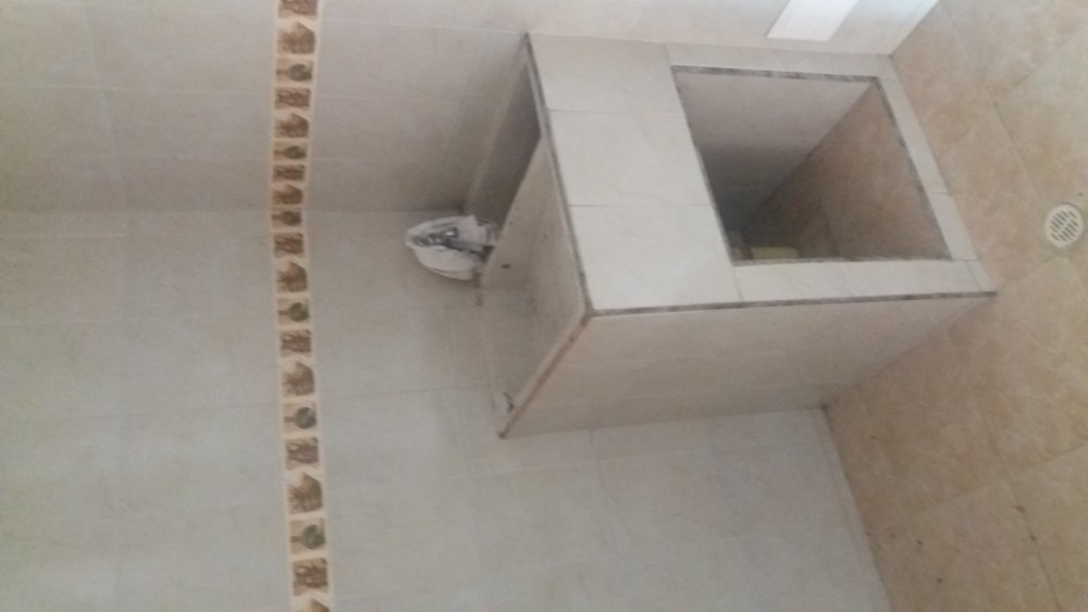 excelente apartamento en edificio de 8 pisos con ascensor