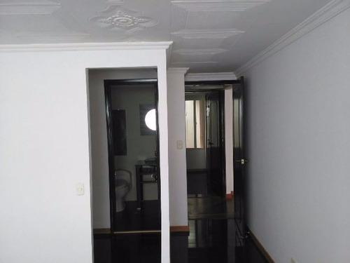 excelente apartamento en santa barbara