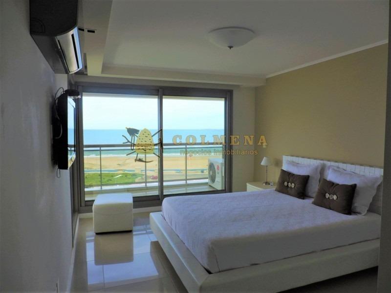 excelente apto cuenta con 4 suites y con vista al mar-ref:1243
