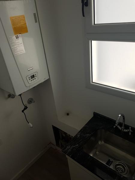 excelente calidad. caldera, portero visor, puertas blindadas. lavadero independiente.