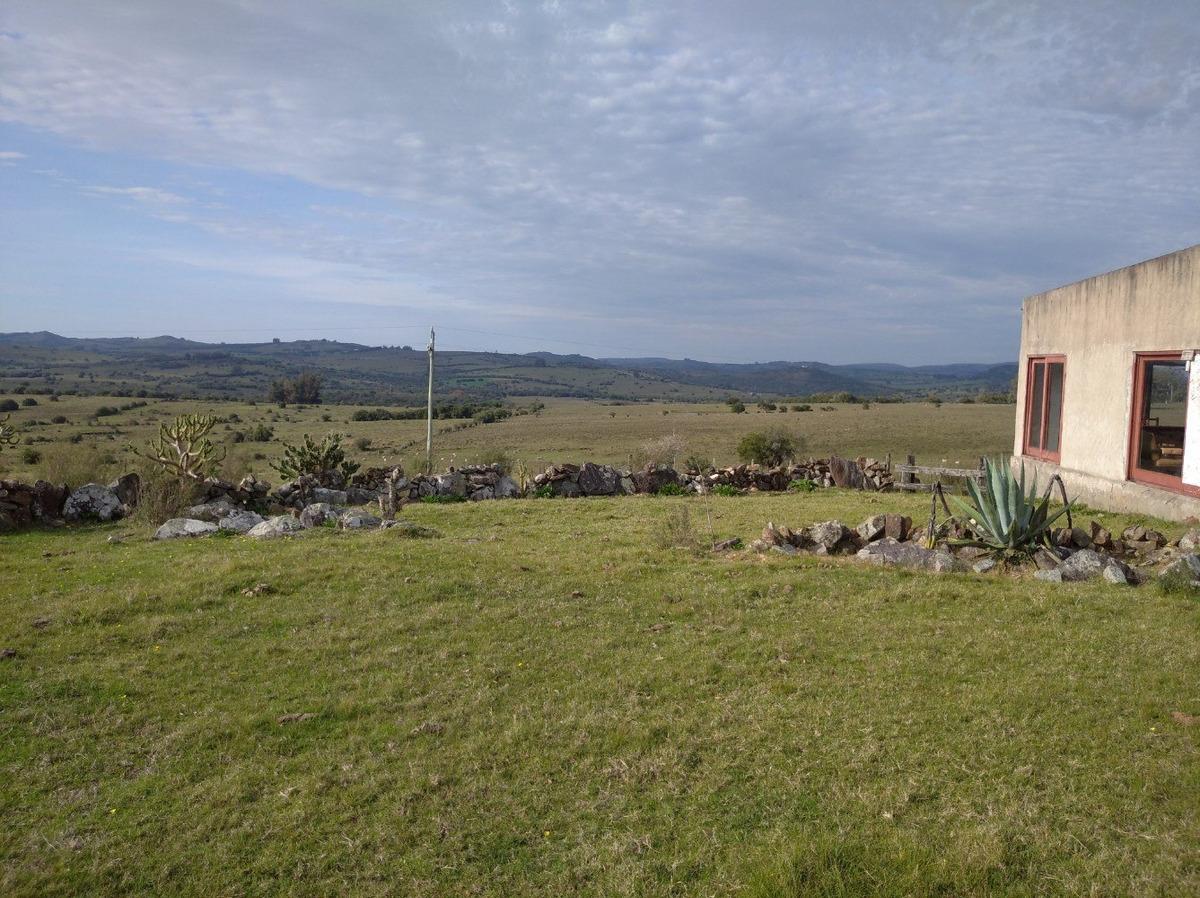 excelente campo con casa, paisaje y arroyo