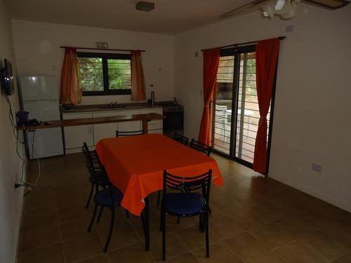 excelente casa 3 ambientes casi a estrenar!