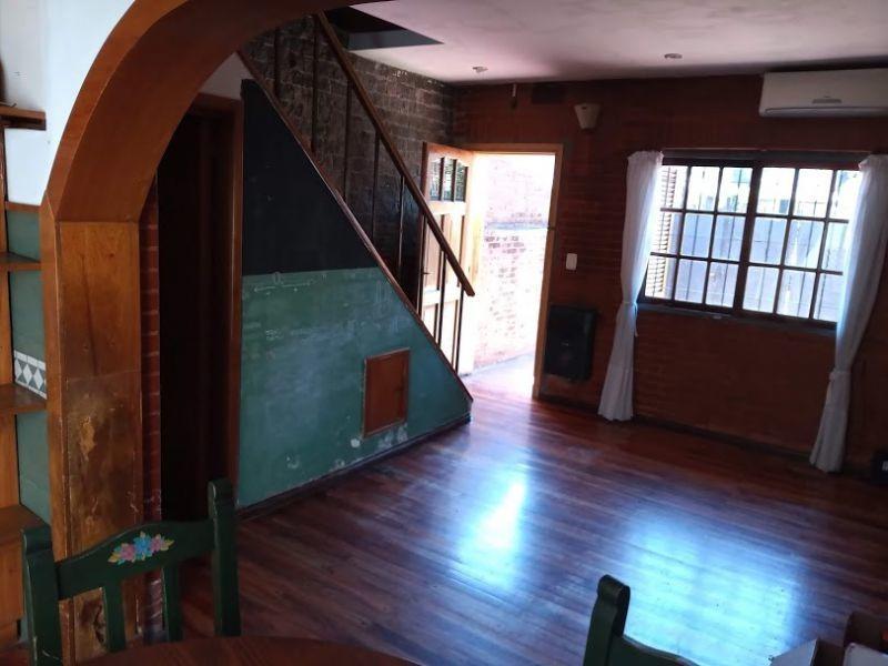 excelente casa 3 ambientes con cochera villa sarmiento