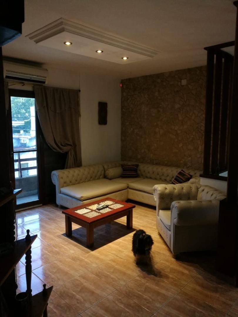 excelente casa 3 dorm. + comodín , quincho, patio y terraza