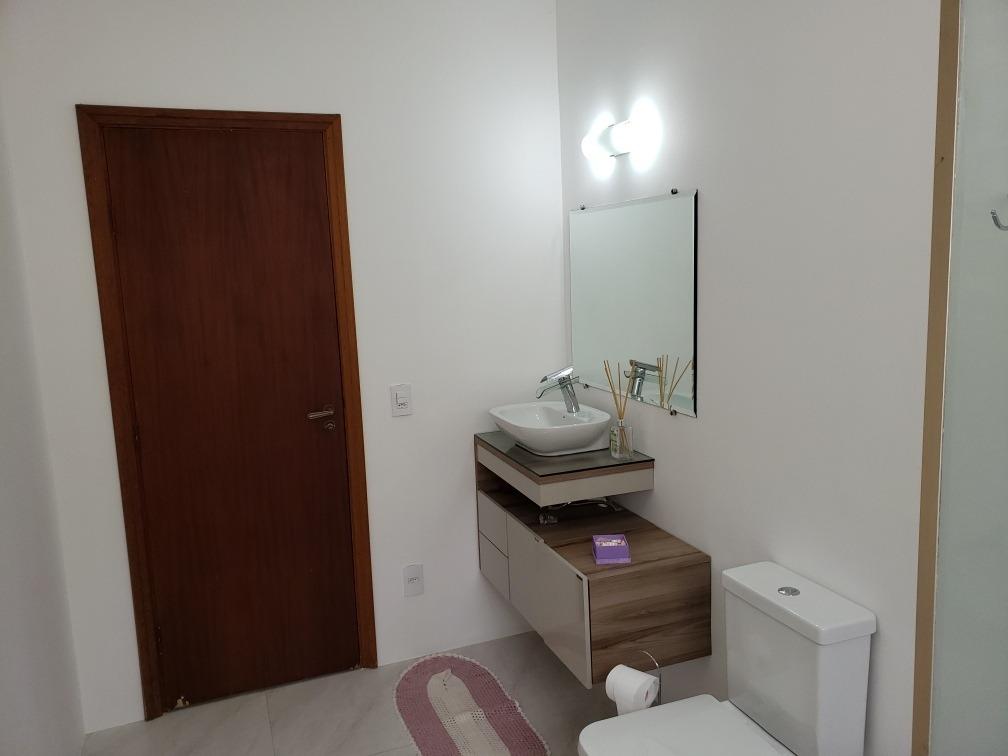 excelente casa 3 dormitórios, 1 suíte, piscina e 4 vagas.