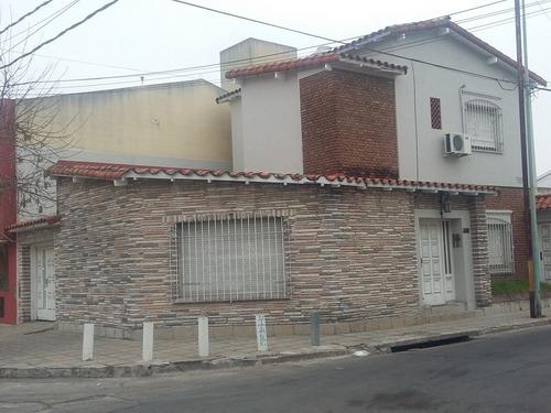 excelente casa 4 ambientes