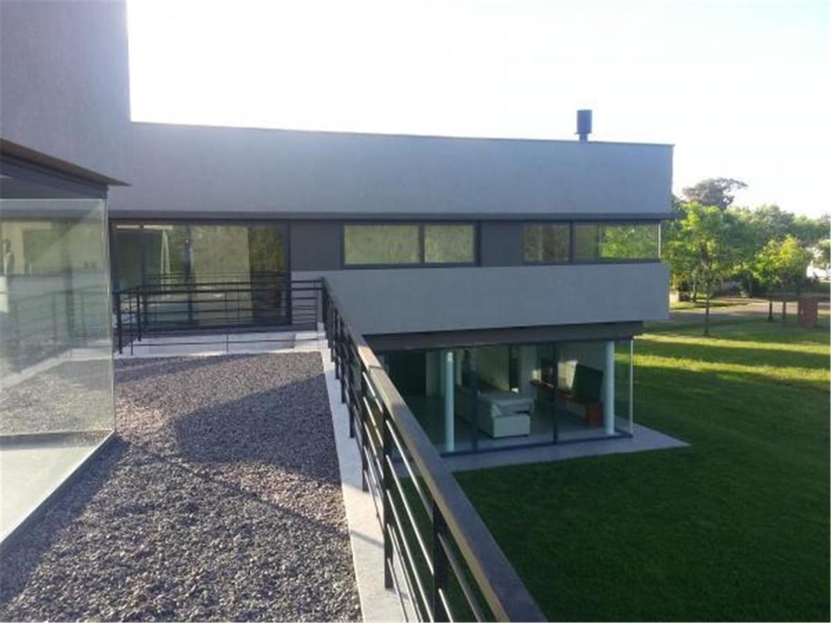 excelente casa - 4 ambientes - ¡con renta! quincho-playroom