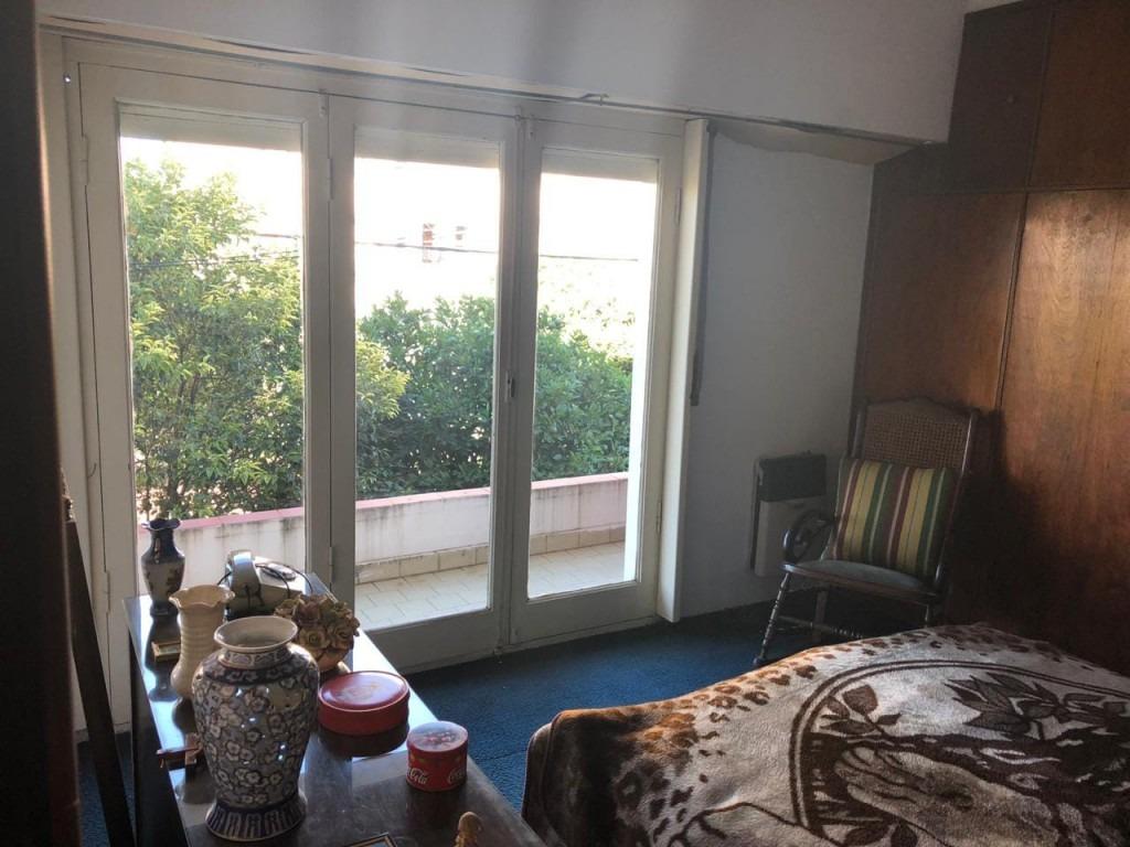 excelente casa 4 ambientes en dos plantas!!