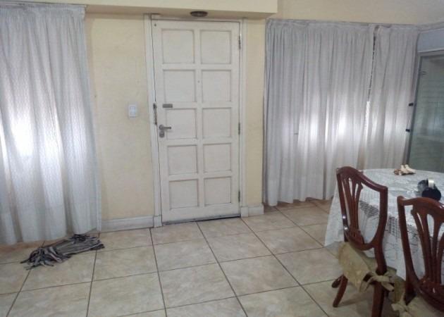 excelente casa 4 ambientes - villa sarmiento