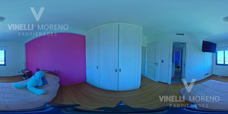 excelente casa 4 dormitorios piscina y cochera sobre 2 lotes!