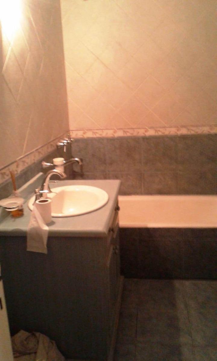 excelente casa 5 amb, 3 baños, con cochera