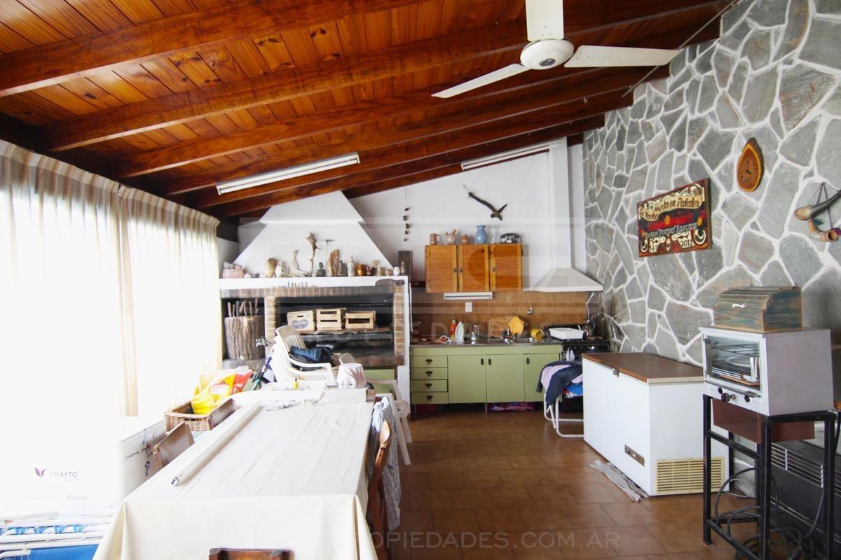 excelente casa 5 amb zona residencial de  martinez