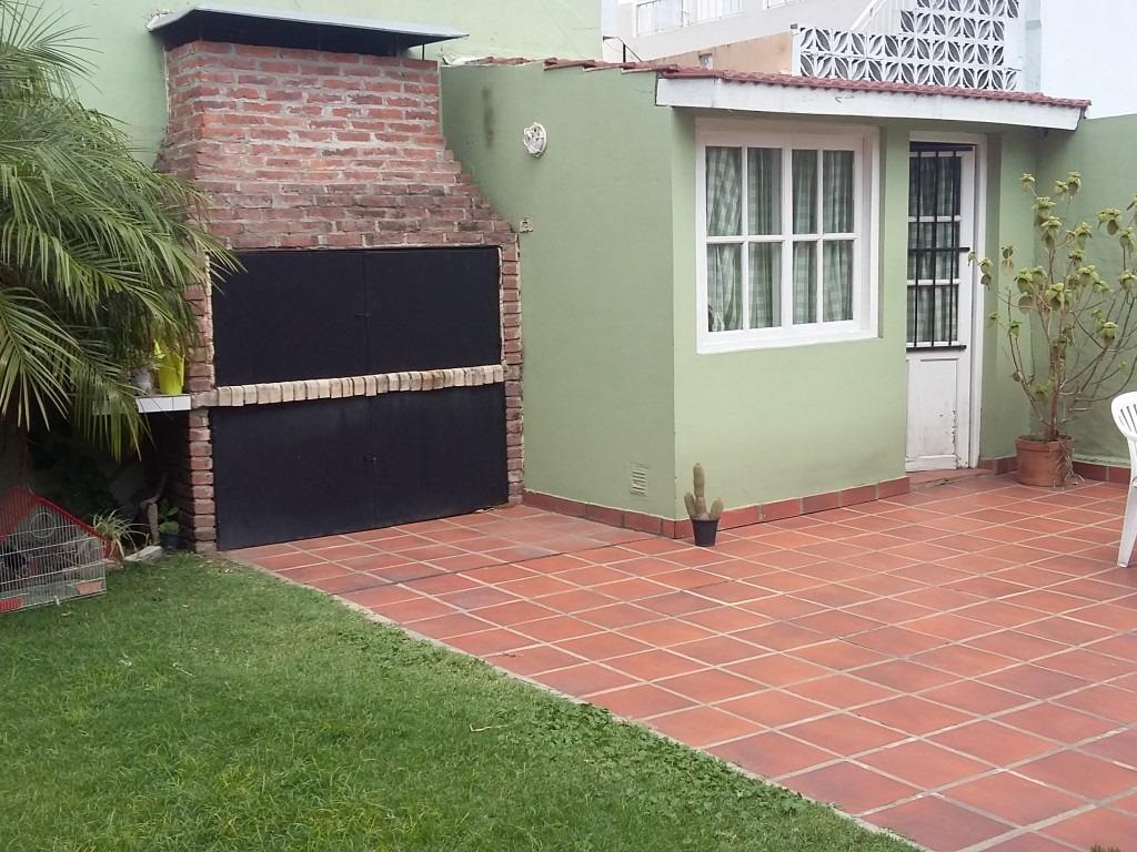 excelente casa 5 ambientes