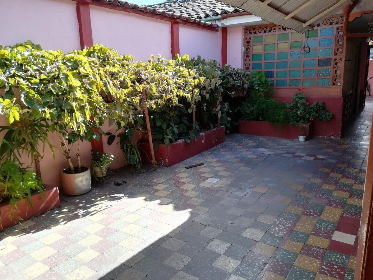 excelente casa a dos cuadras del centro de popayan