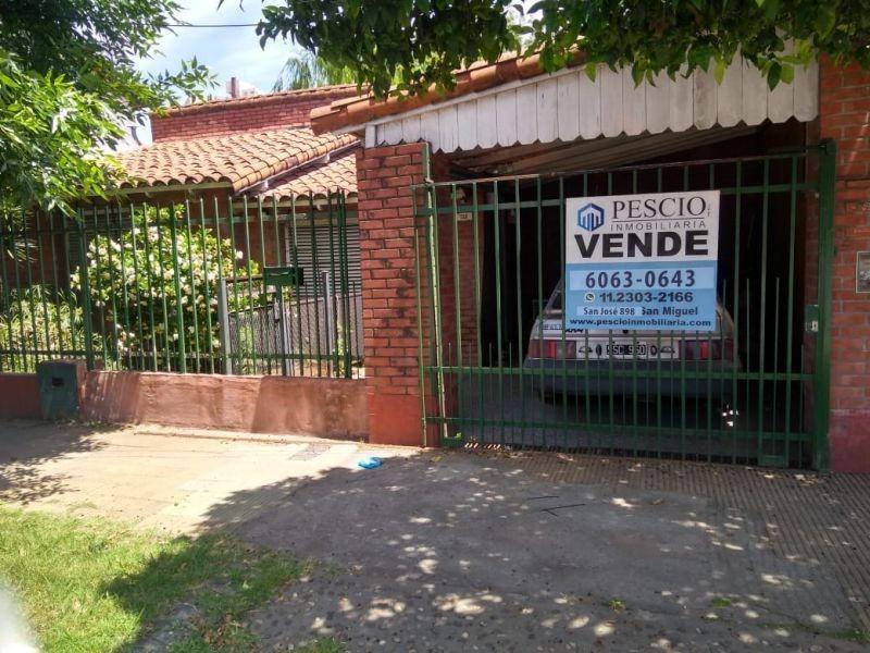 excelente casa a la venta en san miguel en barrio balsareti