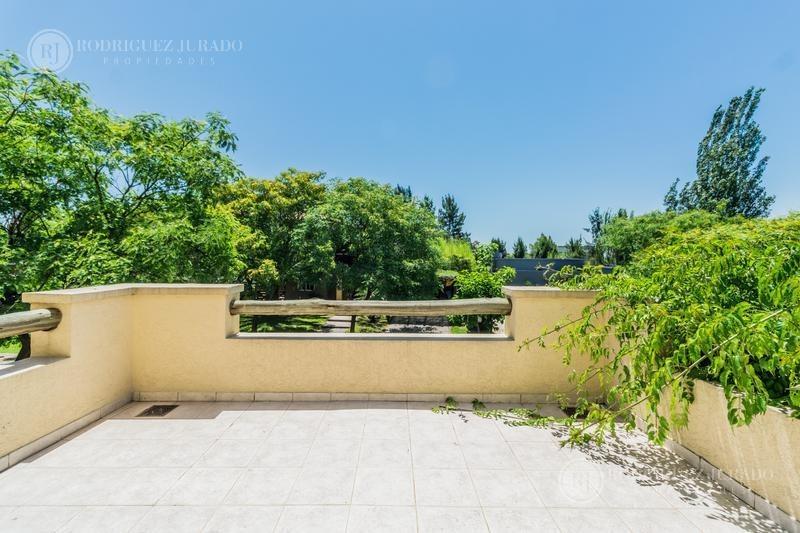 excelente casa  a laguna- san agustin - villanueva - tigre