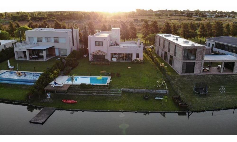 excelente casa al lago,barrio lagos del norte!!