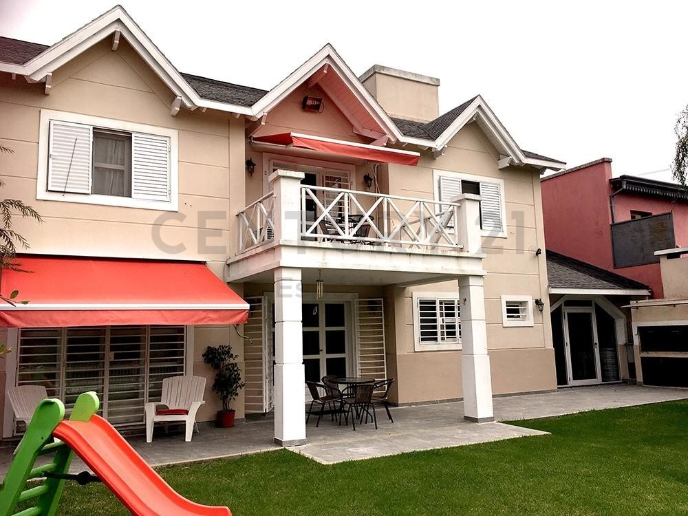 excelente casa barrio el quimilar