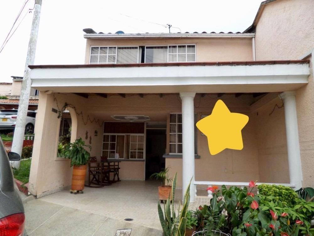 excelente casa con iluminación y ventilación natural