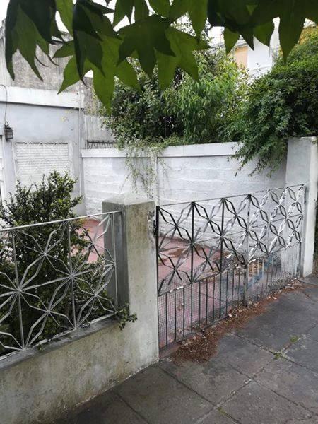 excelente casa con patio y jardin zona centro hurlingham!!!!