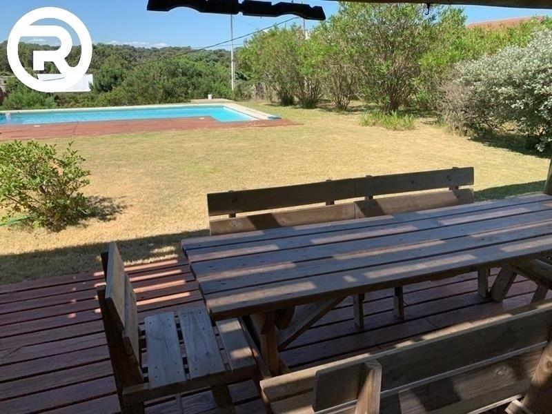 excelente casa con piscina