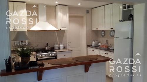 excelente casa con un estilo encantador, desarrollada en lote de 833 m2, en el barrio st. thomas sur