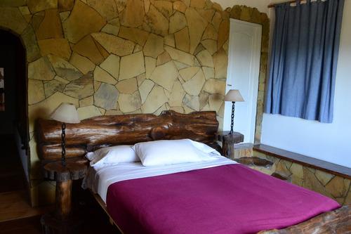 excelente casa con vista panoramica al lago  nahuel huapi