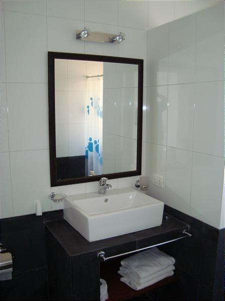 excelente  casa de 5 ambientes en venta en el complejo solanas- uruguay