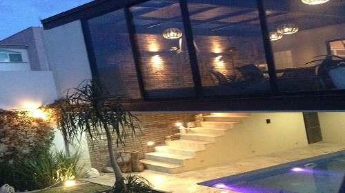 excelente casa de estilo contemporáneo en venta en cumbres del cimatario (mt)