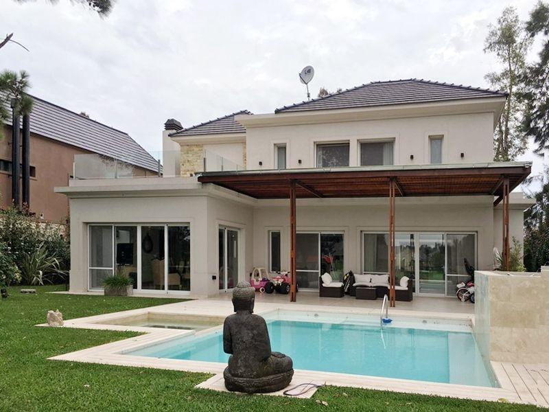 excelente casa de estilo moderno en saint thomas este