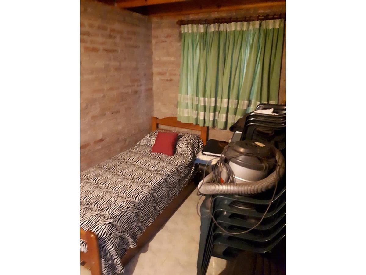 excelente casa de tres dormitorios en barrio belgrano